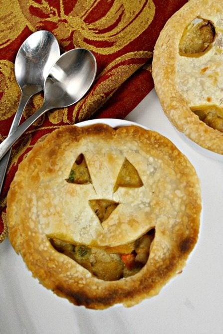 jack o lantern pumpkin pot pie