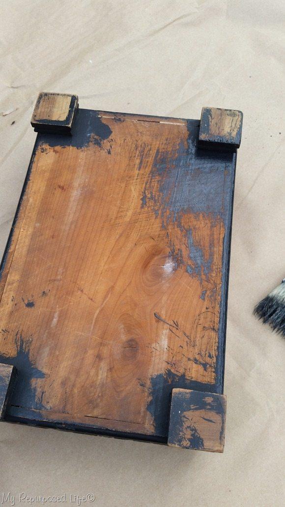 paint underside of wooden keepsake box