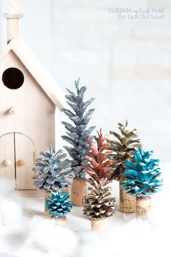 01_-Painted-pine-cone-forest