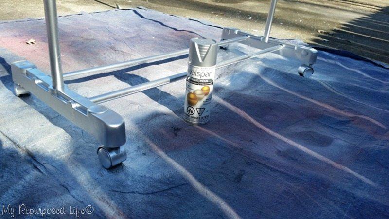 paint plastic with metallic spray paint