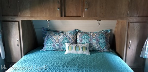 vintage cruiser master bedroom