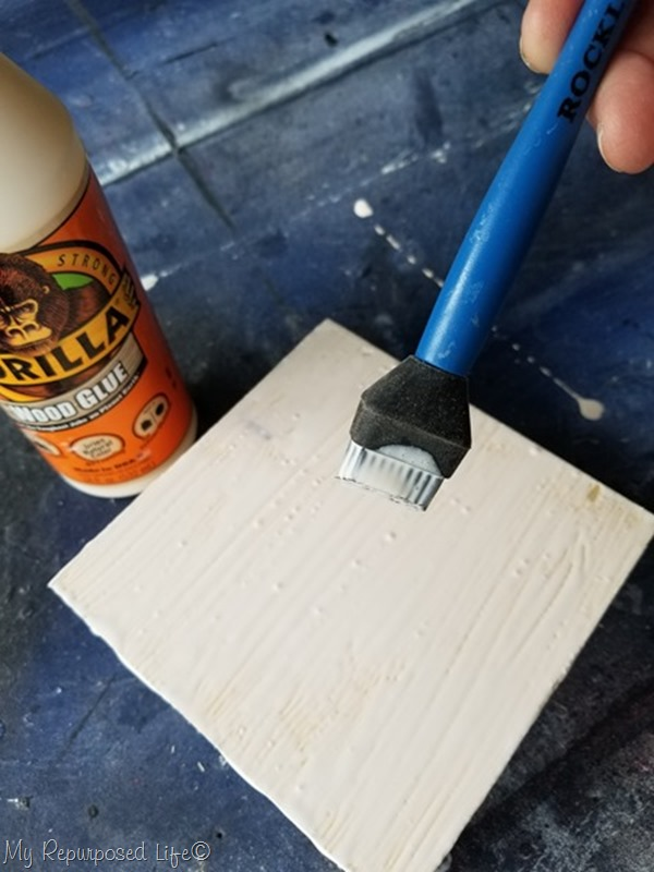 spread wood glue with glue brush
