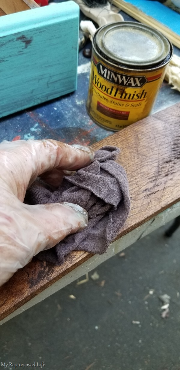 stain sanded pallet boards