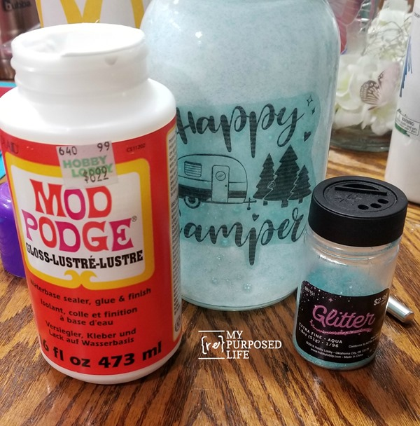 add glitter to mason jar luminary MyRepurposedLife