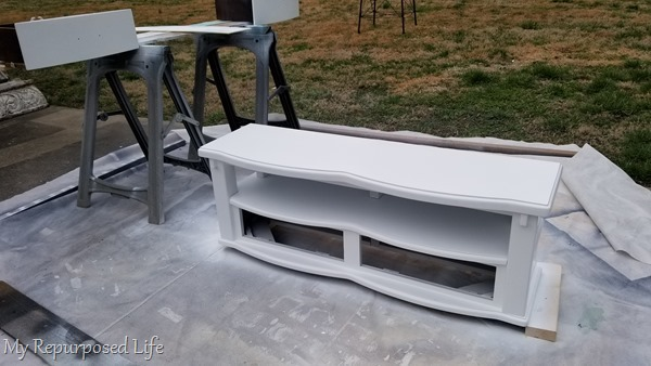 painting children's storage bench white