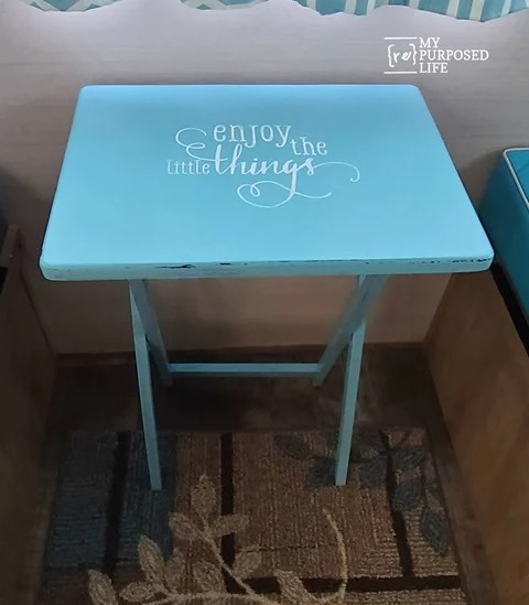 aqua tray table makeover MyRepurposedLife