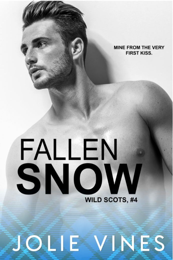 Fallen Snow (Wild Scots #4) by Jolie Vines