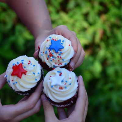 Croissants Bistro & Bakery to host 3rd Annual 4th of July Cupcake Eating Contest & Festival