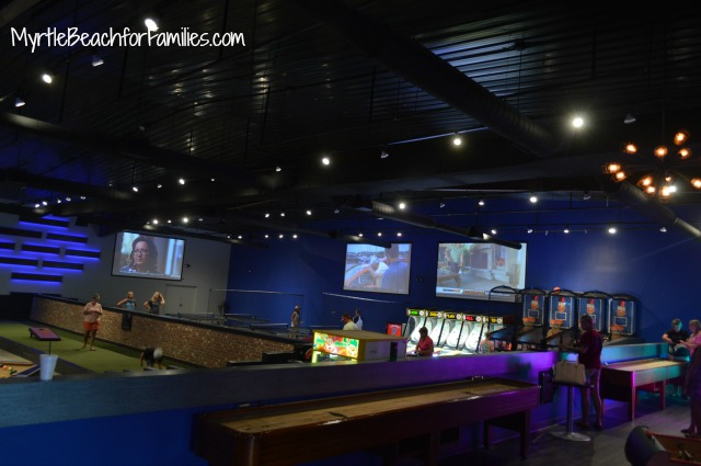 710 North Myrtle Beach, North Myrtle Beach bowling, 710 North Myrtle Beach game pit, ping pong, cornhole
