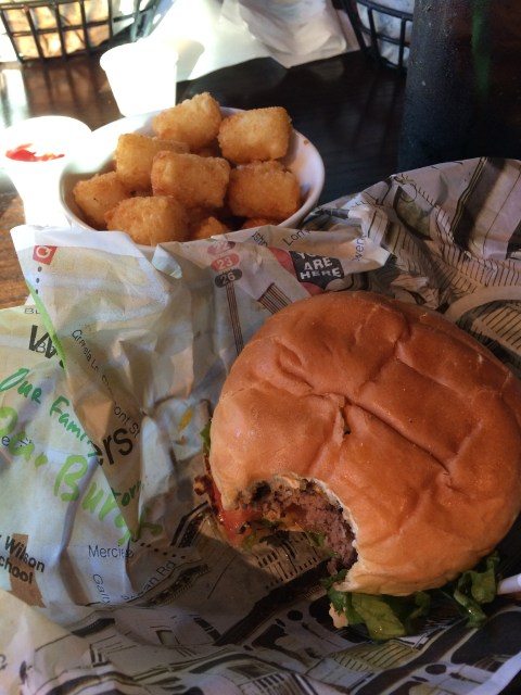 Wahlburgers Myrtle Beach, Wahlburgers, Broadway at the Beach