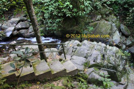 walkway to wateralls