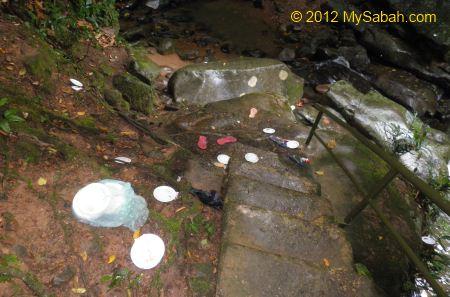 rubbish at Kiansom