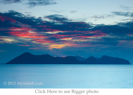 sunset of Pom-Pom Island