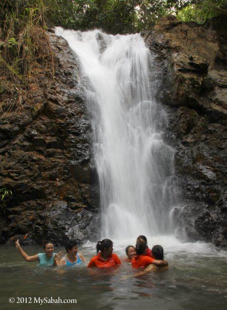No name waterfall near Meliau River
