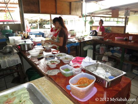 kitchen of Mee Sup Pipin