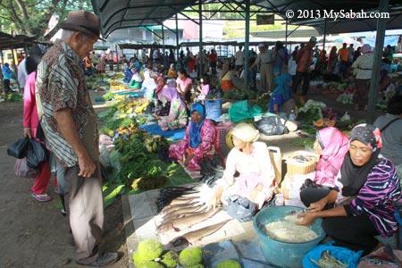 vegetables for sale in pasar tamu