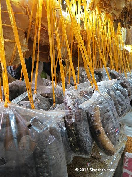 dried sea cucumbers in Tanjung Market