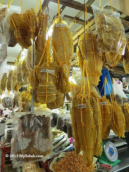 dried fish maw in Pasar Tanjung Tawau