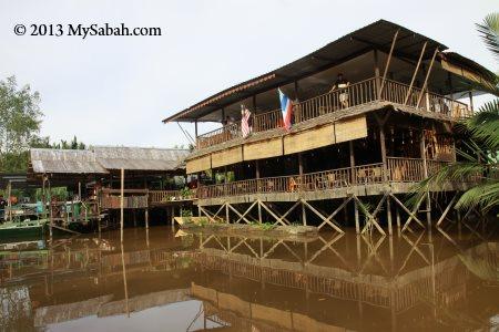 Weston Jaafar River Lodge
