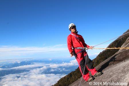 belayer of sport climbing
