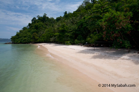 beach of Pulau Sepanggar
