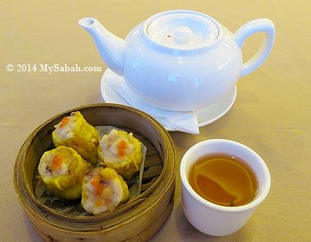 dim sum with tea
