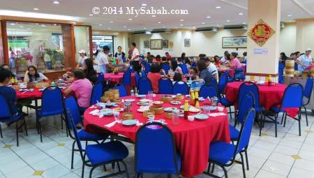 interior of Foo Phing Dim Sum restaurant