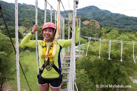 high ropes challenge: Swinging Steps