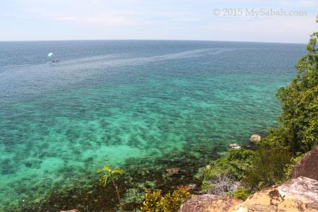 cliff of Sapi Island