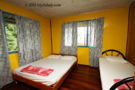 bedroom of Mount Kinabalu Holiday Home (Haleluyah Retreat Centre)