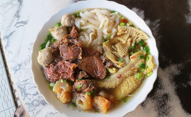 Ngiu Chap Beef Noodle of Kedai Cheng Wah Restaurant (精華冰室)