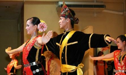 Sumazau dance of Kadazan Penampang