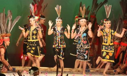 Murut Bamboo Dance (Magunatip)