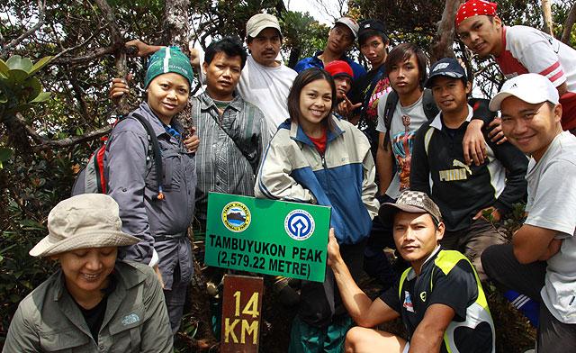 Climbing Mt. Tambuyukon (part 3 of 5), 3rd highest mountain of Malaysia