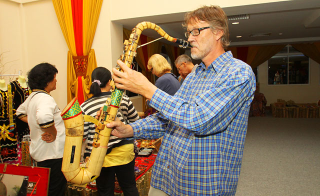 Bamboo Saxophone. Does it Work?
