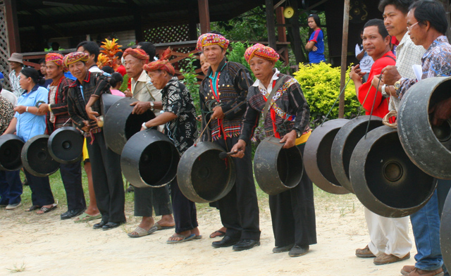 Gong of Sabah and Gong Making in Kg. Sumangkap