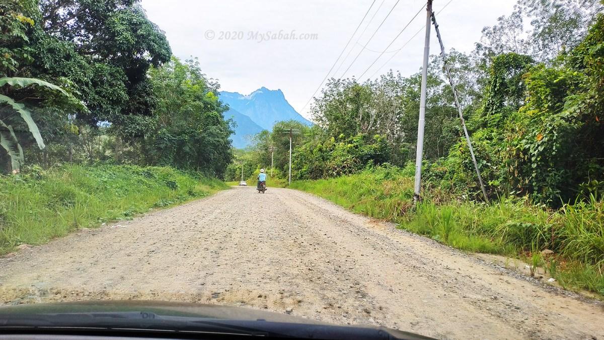 Gravel road to Maranggoi Eco Tourism site (Kampung Pinolobu)