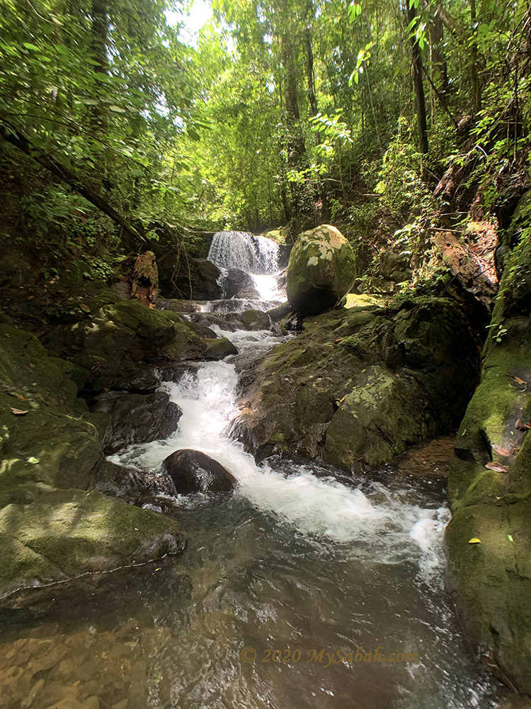 Gotokon Waterfall at Maranggoi River