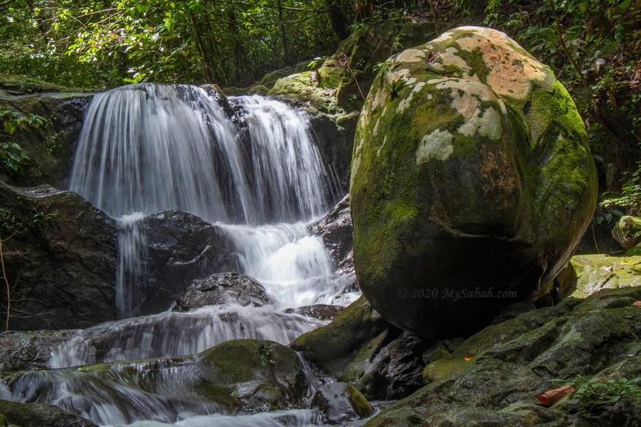 Gotokon Waterfall