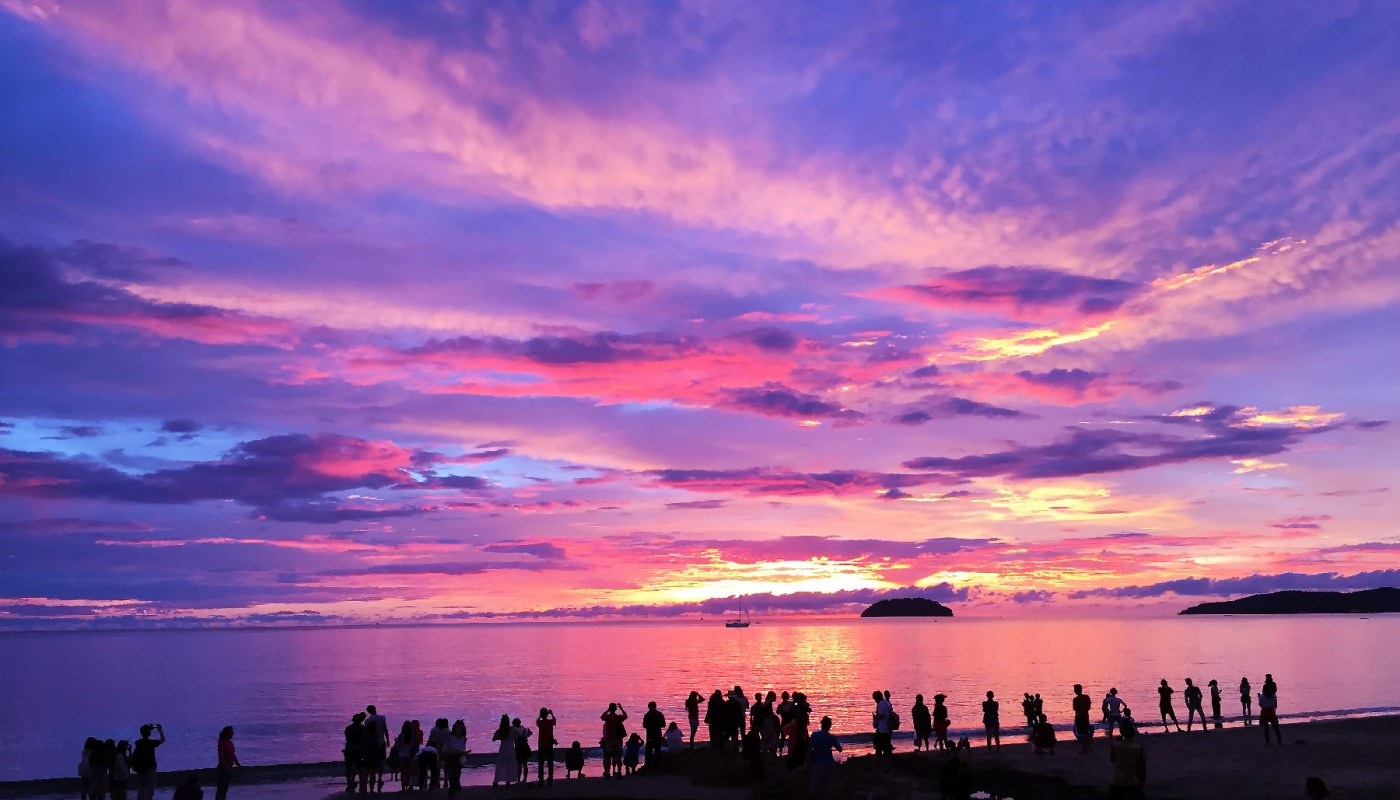 Amazing sunset at Tanjung Aru First Beach