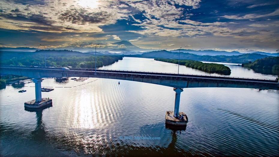 Mengkabong River Bridge and Mount Kinabalu