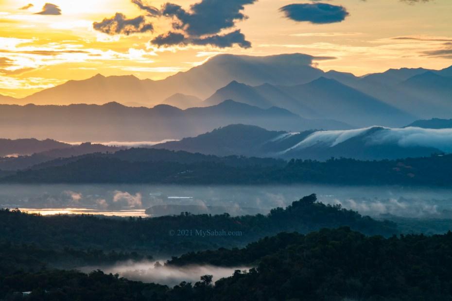 The rolling hills near Mount Kinabalu