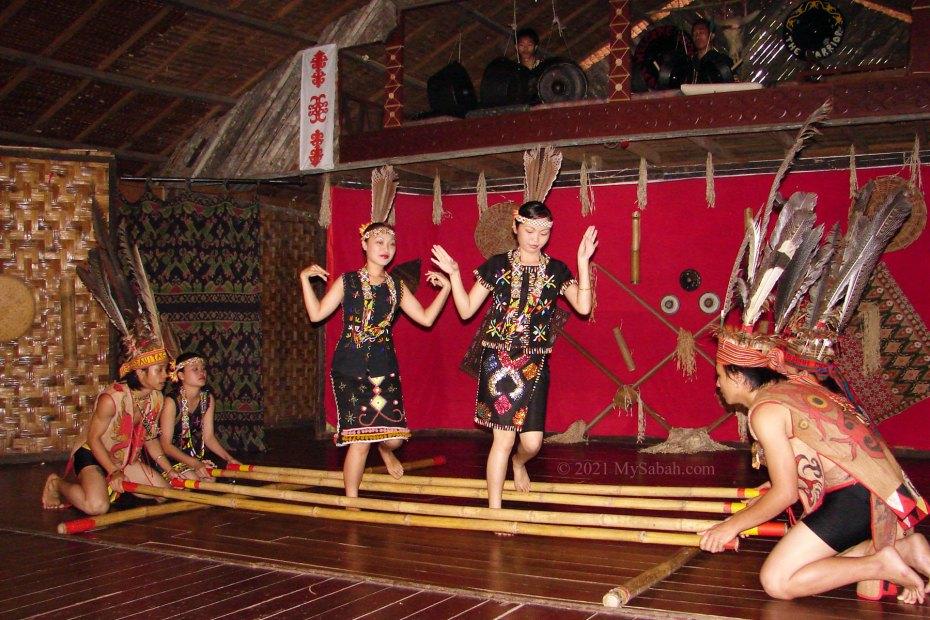 Murut girls dancing Magunatip