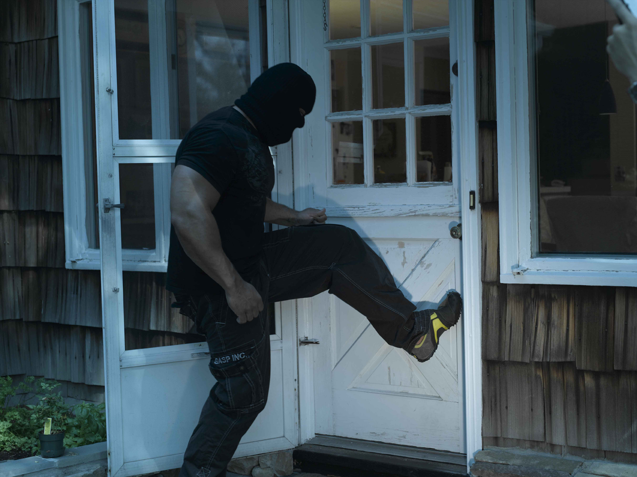 5 Tactical Tips to Survive a Home Invasion  The Self