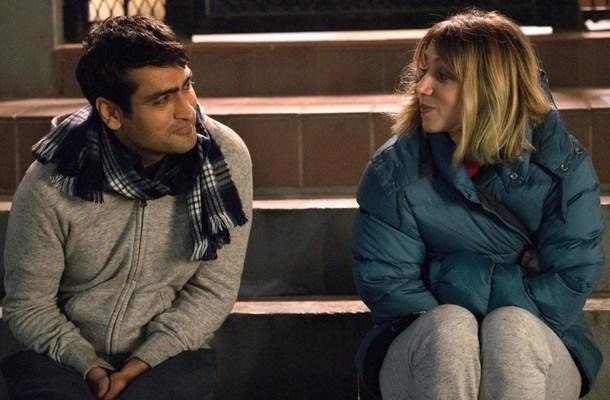 """Kumail Nanjiani i Zoe Kazan w scenie z filmu """"I tak cię kocham"""""""