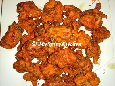 Chicken Fritters, chicken pakoda, chicken pakora