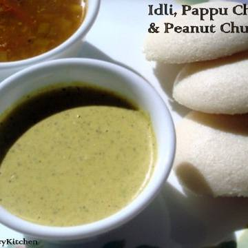 Idli and Peanut Chutney