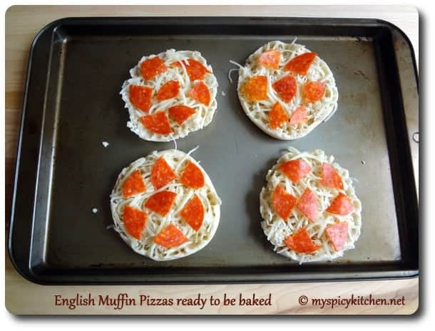 English Muffin Pizza, Blogging marathon, Pepperoni pizza