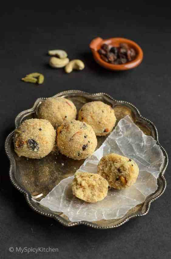 Rava Laddu, Endu Kobbari Rava Laddu, Kobbari Rava Laddu, Coconut Rava Laddu, Sooji Laddu, Indian Laddu, Indian Sweet, Telugu Food, Telangana Food, Blogging Marathon, Journey Through the Cuisines,