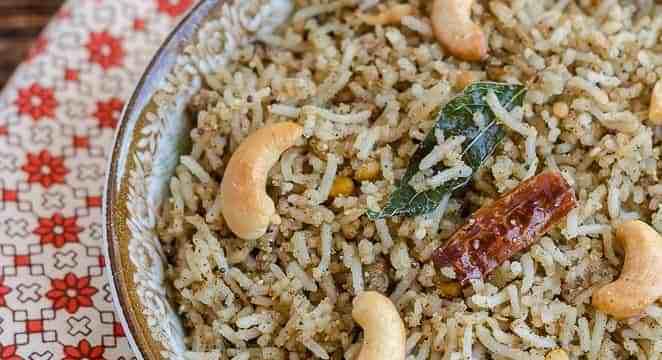 Black Gram Dal Rice, Black Gram Rice, Urad Dal Rice, Ulundu Rice, Blogging Marathon, Fried Rice, Masala Rice, South Indian Food, South Indian Rice, Indian Food, Tamil Food, Tamil Cuisine, Minapappu Annam,